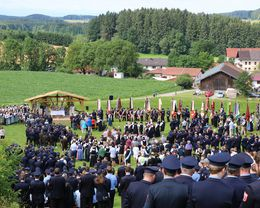 0 Festwoche FF Kirchensur Festsonntag - Kirche 018